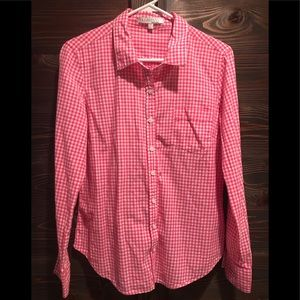 Blouse. Pink checkered. Button